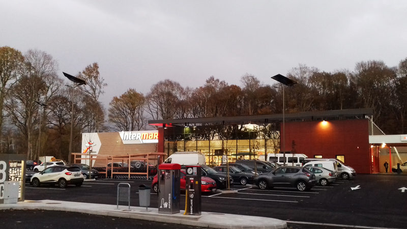 intermarche-la-machine-interview-fonroche-eclairage-solaire